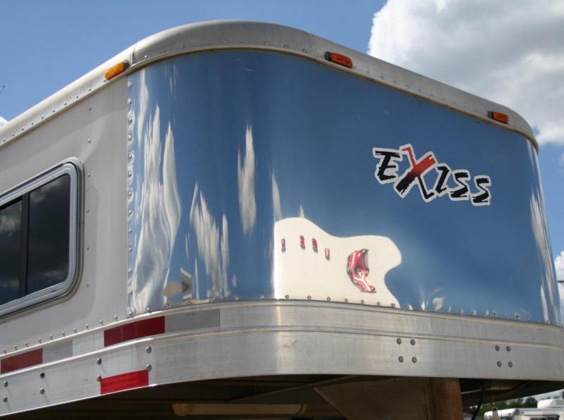 2005 Exiss Trailers 4H w/LQ Horse Trailer