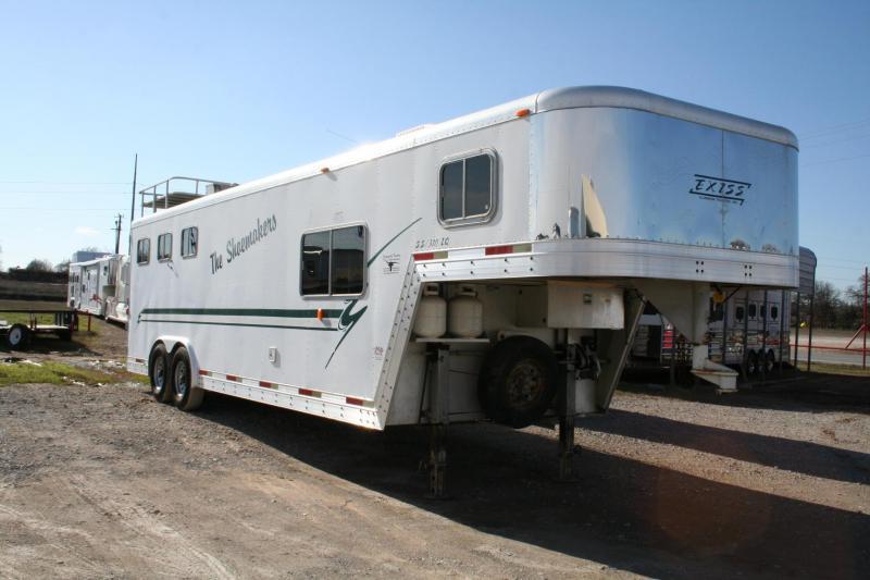 2000 Exiss 8310 LQ Horse Trailer