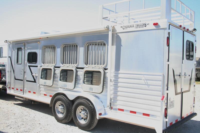 2001 Cherokee Trailers Invasion Horse Trailer