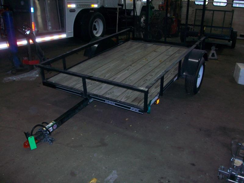 Utility trailers utility flatbed and cargo trailers in for Wood floor utility trailer