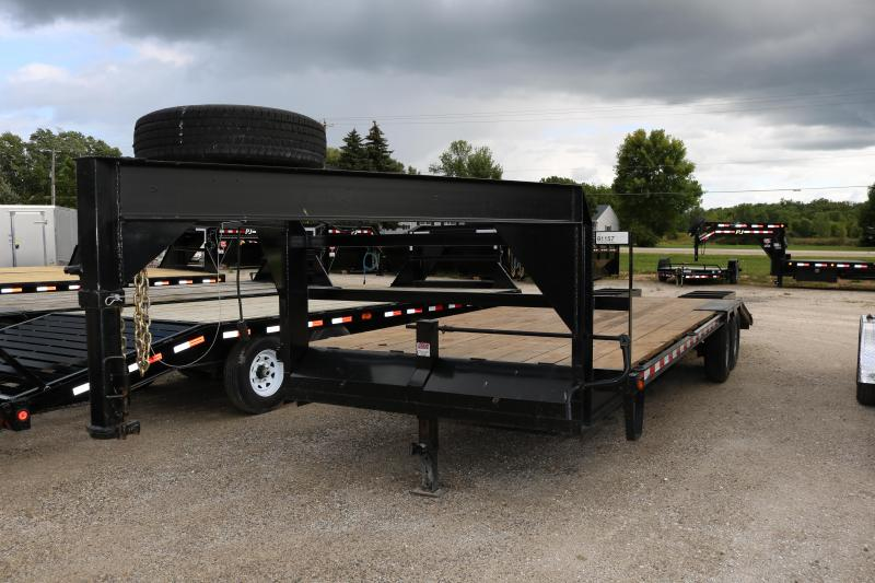 2015 Michigan 25' Gooseneck Trailer