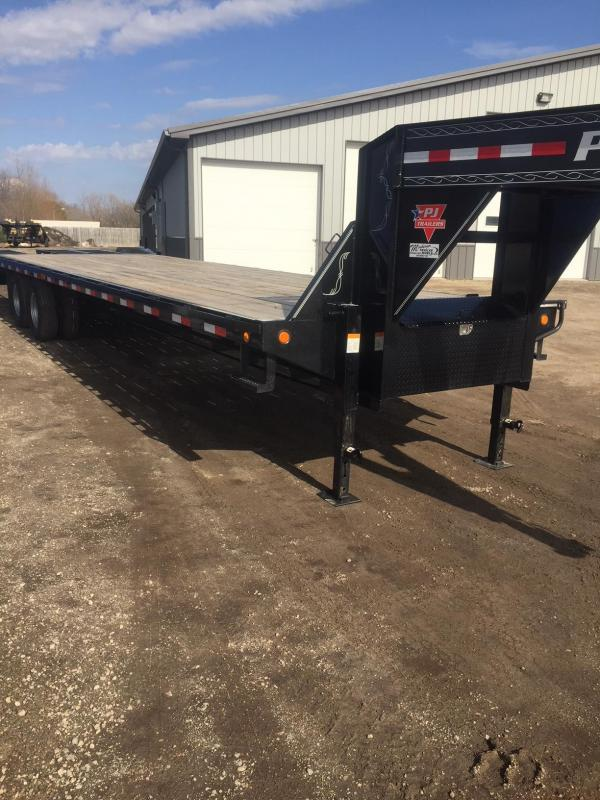 2017 PJ Trailers FD322 Equipment Trailer