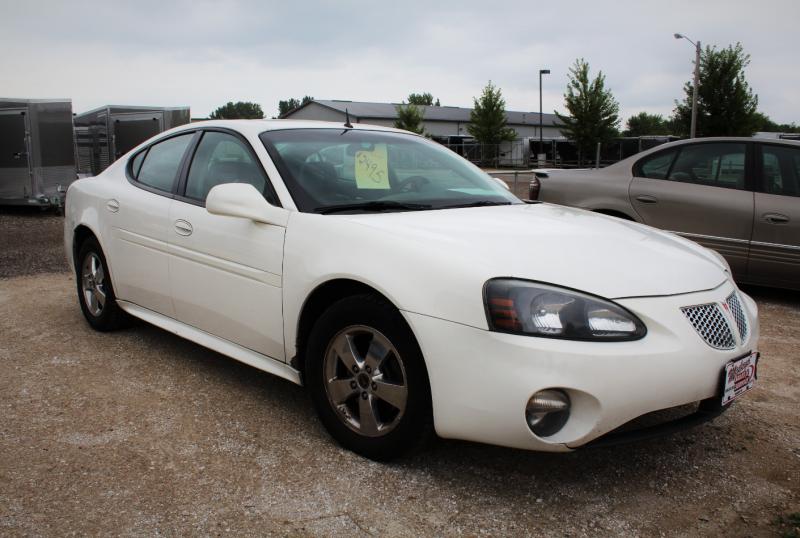 2005 Pontiac Grandprix Car