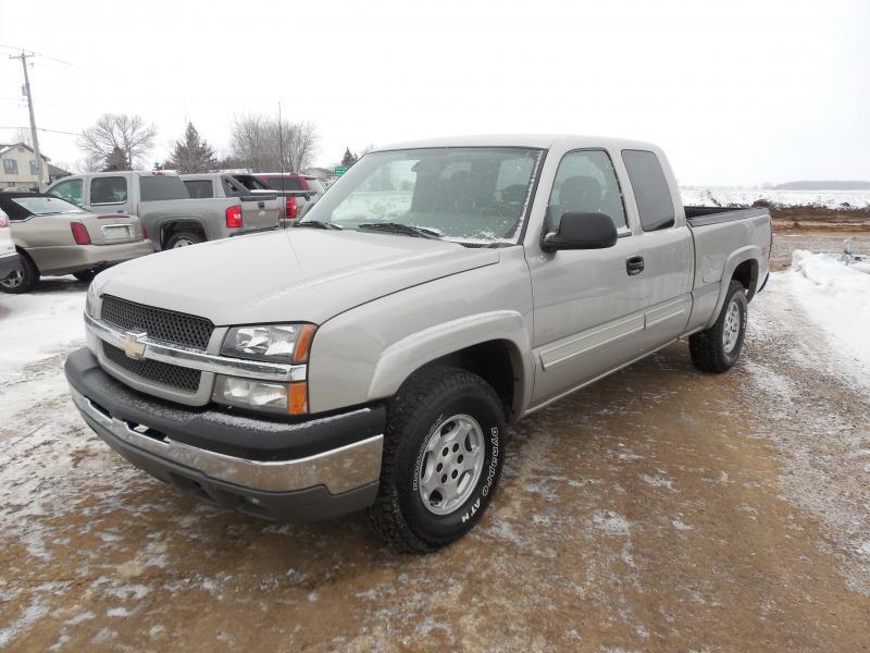 2004 Chevrolet Silverado 1500 Z71 4x4 Truck