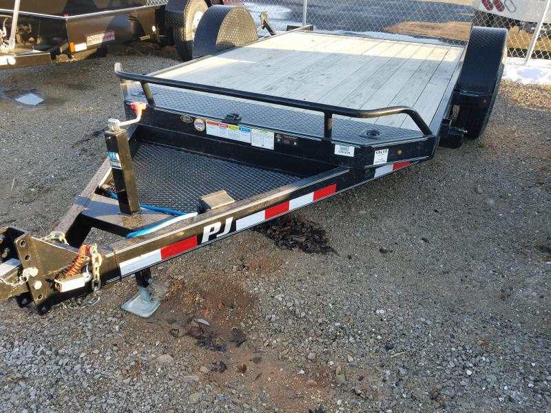 2016 PJ Trailers T1131CHT Equipment Trailer