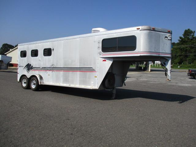 1999 Sundowner Trailers 3H SL w/Dress Horse Trailer