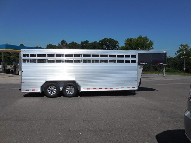 2017 Sundowner Trailers GN 20ft Rancher RS Livestock Trailer