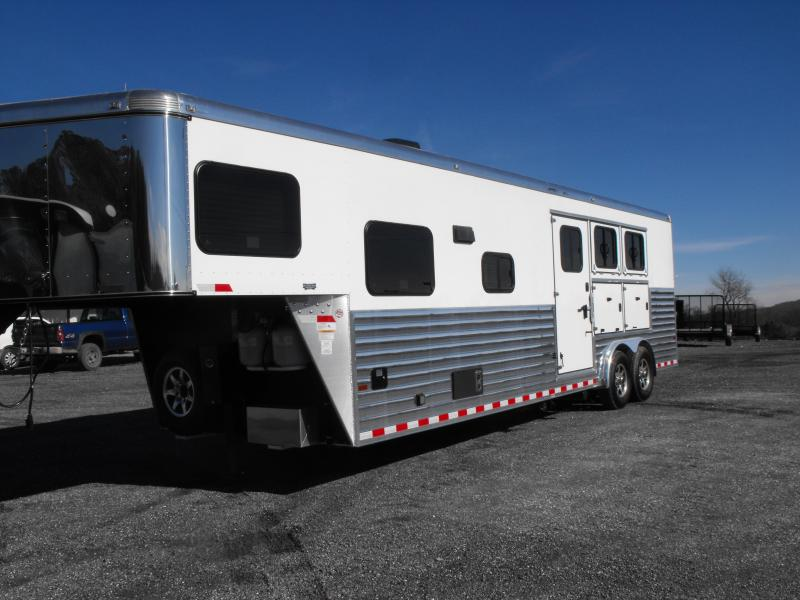 2015 Sundowner GN 3H Horizon SE LQ Horse Trailer