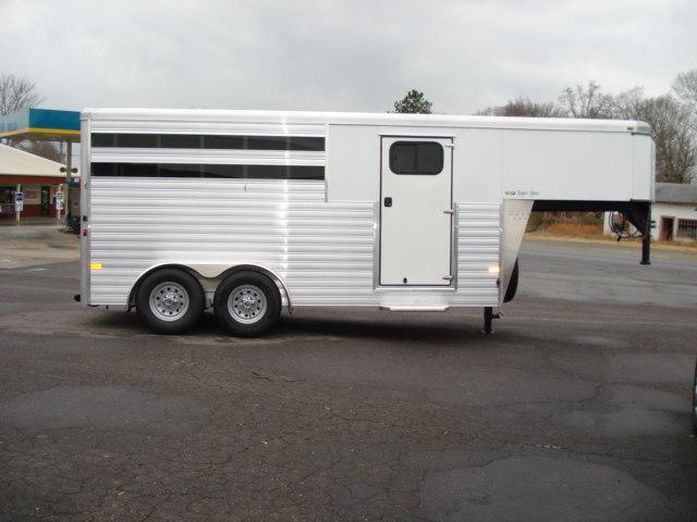 2013 Sundowner Trailers GN 3H Super Sport Horse Trailer