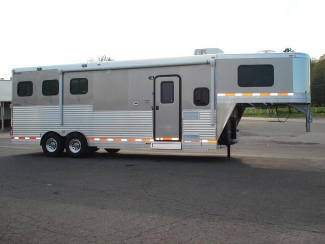 2012 Shetron Manufacturing LLC GN 3H LQ Horse Trailer