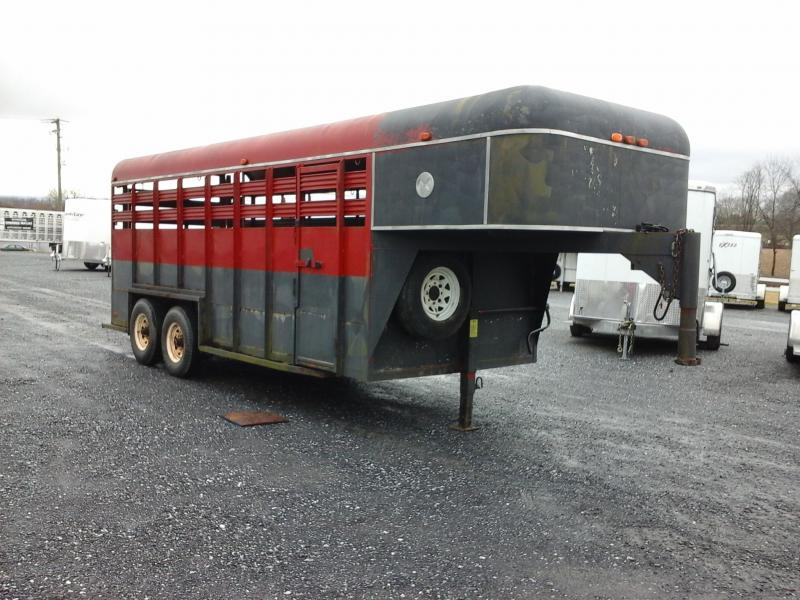 1995 M&R 18' GN Livestock Trailer