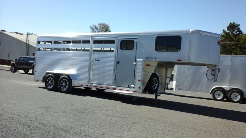 2018 Sundowner Trailers GN 20ft Rancher TR Livestock Trailer