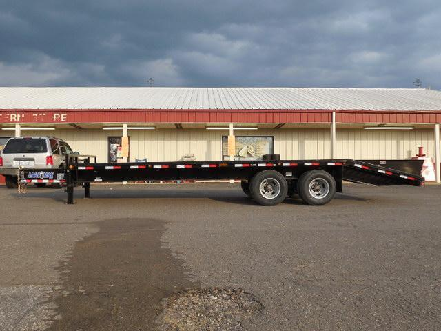 2016 Load Trail 102 x 25 PH  Equipment Trailer
