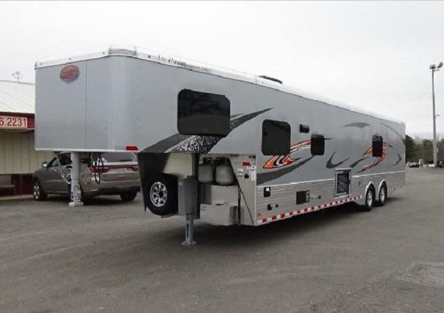 2018 Sundowner Trailers 32ft Toy Hauler
