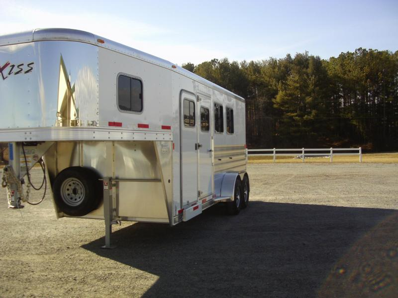 Clearance 2015 Exiss 3H SL GN TR Horse Trailer