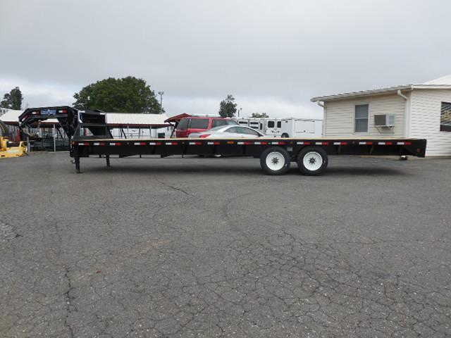 2018 Load Trail GN 102 x 30 Equipment Trailer