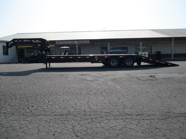 2020 PJ Trailers 30' Low Pro Hyd Dove Elec/Hyd Disc Brakes Equipment Trailer