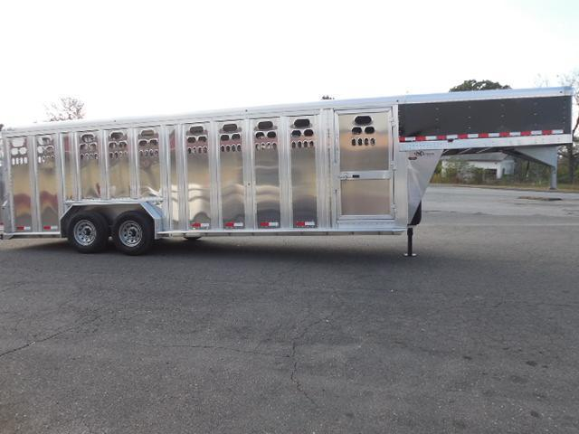 2017 Barrett Trailers 24ft Punchside Livestock Trailer