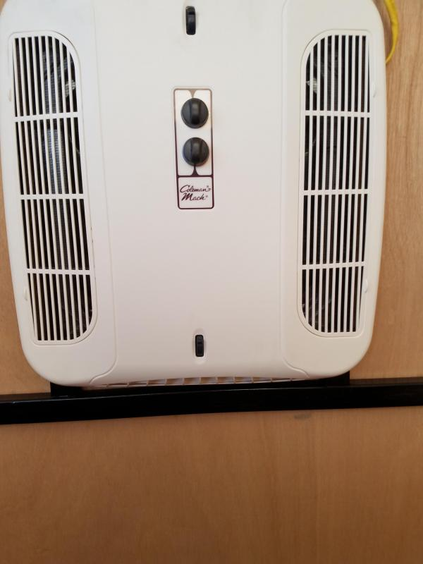 13500 BTU Air Conditioner with Heatstrip