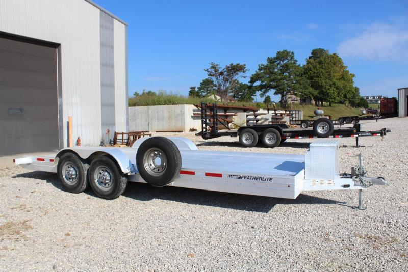 2014 Featherlite 3110-0020 Car / Racing Trailer
