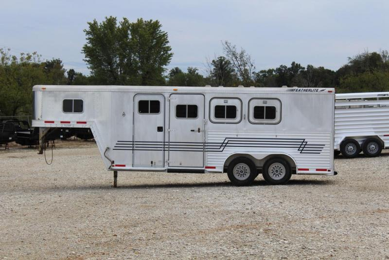 1997 Featherlite  8546 3 Horse Trailer