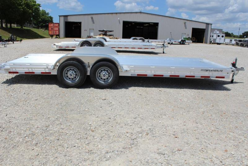 2019 Featherlite 3110-0022 Car / Racing Trailer