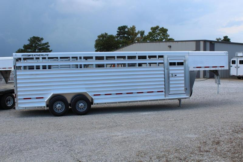 2019 Featherlite 8127-7024 Livestock Trailer