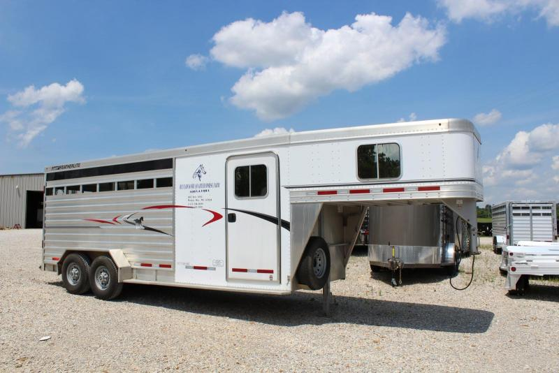 2011 Featherlite 8417 20' Stock Combo Horse Trailer