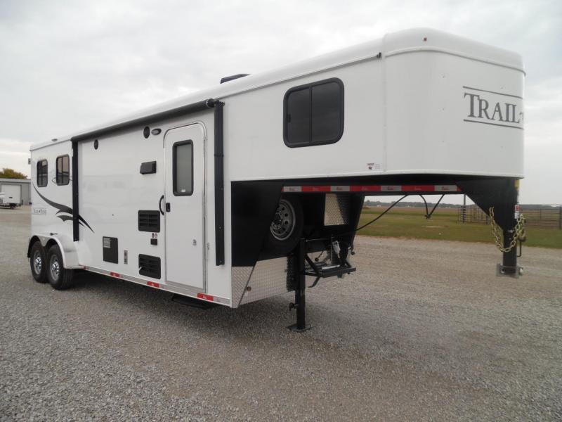 2016 Bison Trailers 7208 Trail Hand w/8' SW Horse Trailer