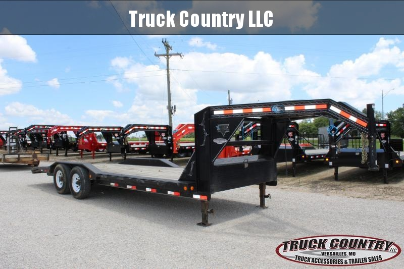 2020 PJ Trailers B6 24' gooseneck superwide Equipment Trailer