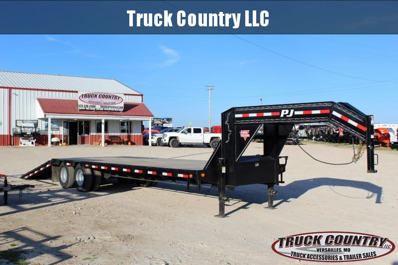 2018 PJ Trailers LY 32' Hydraulic Dovetail Flatbed Trailer