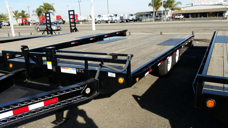 2018 PJ Trailers 8 in. I-Beam Deckover (F8) Flatbed Trailer