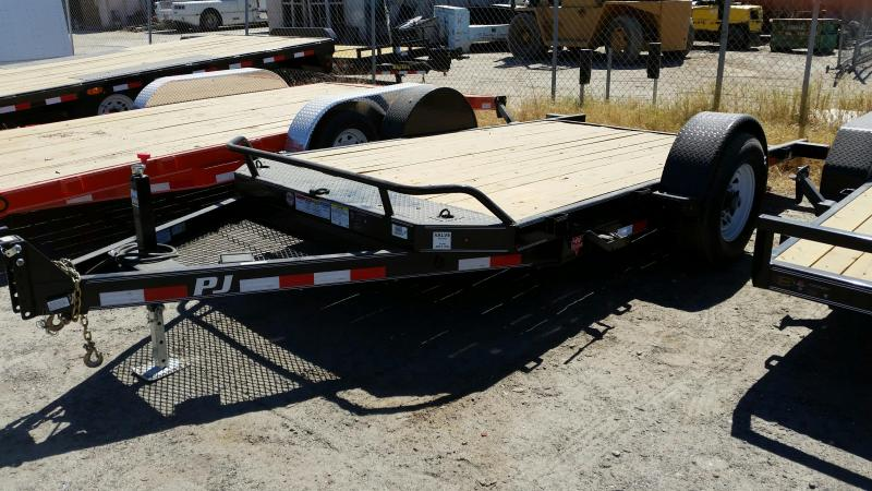 2017 PJ Trailers T1131 Equipment Trailer