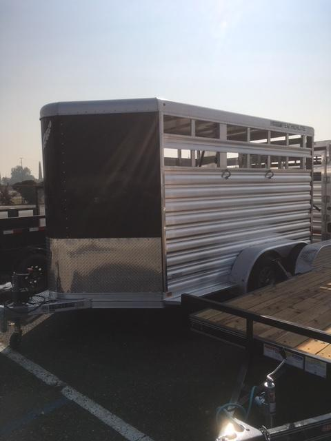 2018 Featherlite 9651 Livestock Trailer