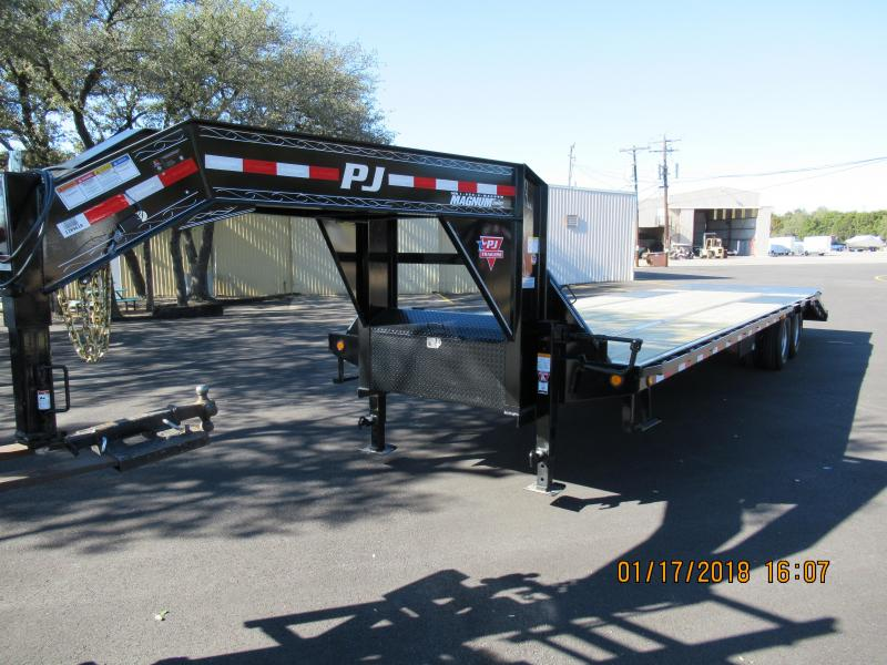 2018 PJ Trailers LD32 Equipment Trailer