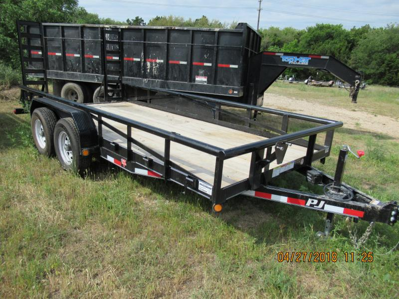 2018 PJ Trailers P816 Equipment Trailer