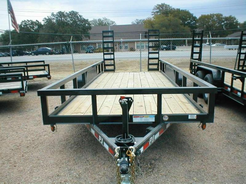 2016 PJ Trailers P8202 Equipment Trailers