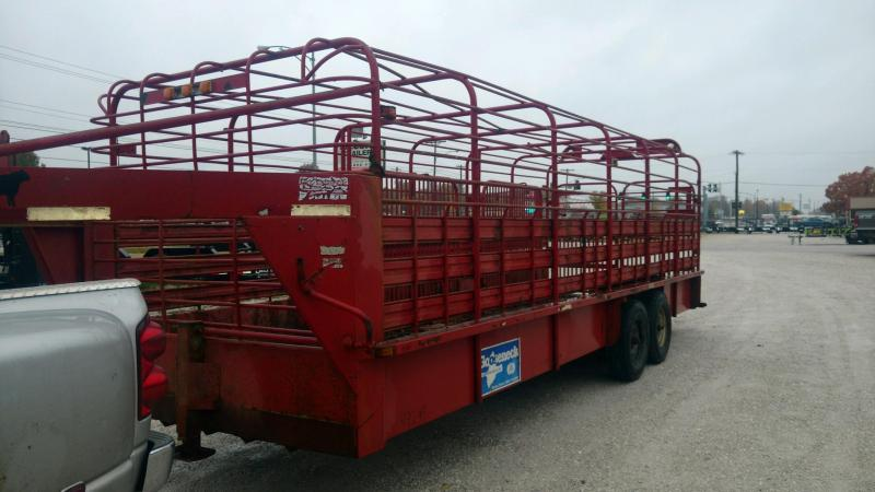 Used 1996 Gooseneck Brand 24' x 7' Livestock Trailer
