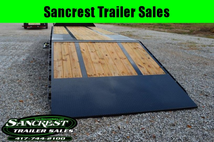 2018 Load Trail 32' HYDRO-Tail Flat Bed Gooseneck