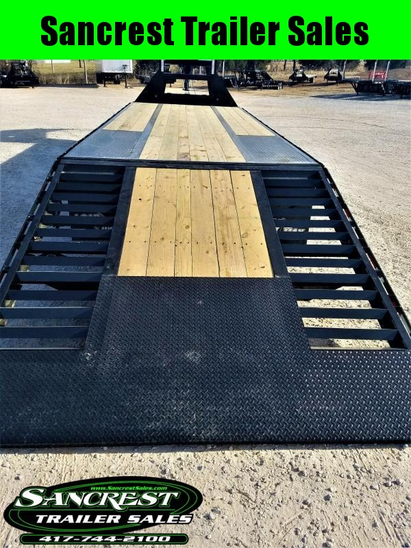 2018 Load Trail HYDRO TAIL AND JACKS Trailer