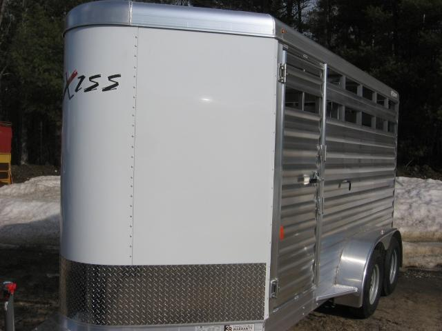 2019 Exiss Trailers Express STK 613BP 7-2 Horse Trailer