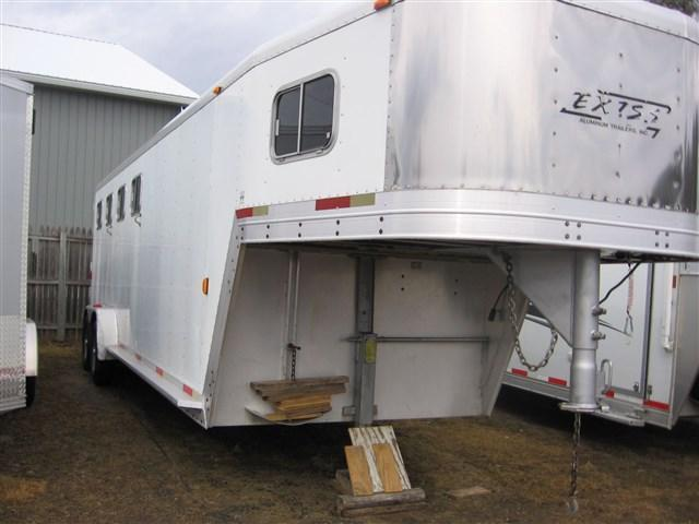 2000 Exiss Trailers SS400 Horse Trailer