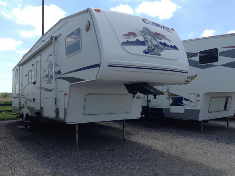 2005 Keystone RV Cougar 281 EFS Camping / RV Trailer
