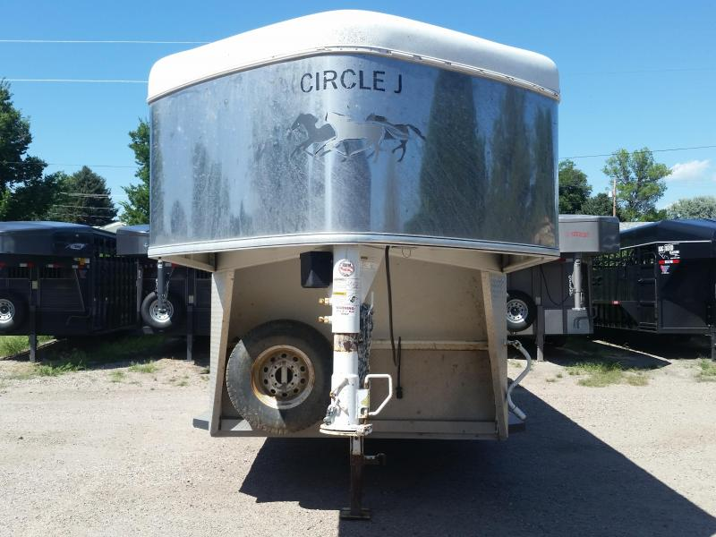 2004 Circle J Trailers 3 HORSE Livestock Trailer