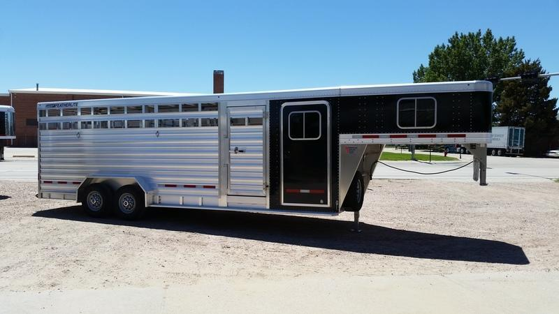 2017 Featherlite 8413 7 X 24 Straight Wall DR