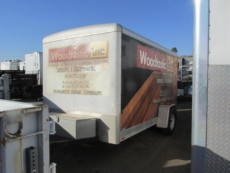 2000 Wells CARGO Enclosed Cargo Trailer