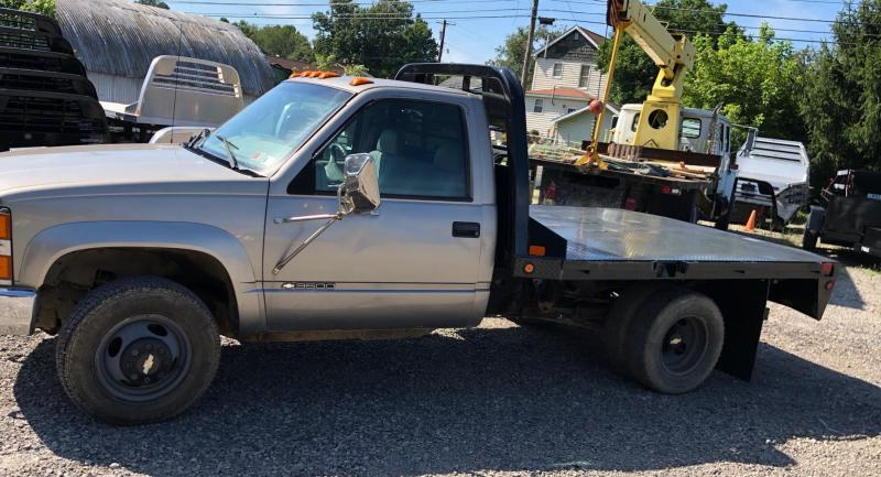 1999 Chevrolet 3500 4WD DRW Truck w/New CM RD flatbed