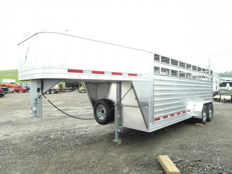 2015 Featherlite 20' Gooseneck Stock Trailer