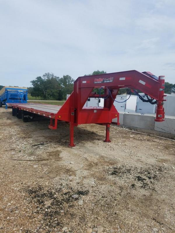 2019 Load Trail 102X36 LOADTRAIL GOOSENECK 2 HYD JACKS 24K GVW Flatbed Trailer
