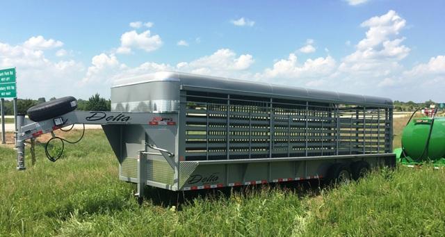 2018 Delta Manufacturing 600 CATTLEMAN GOOSENECK Livestock Trailer